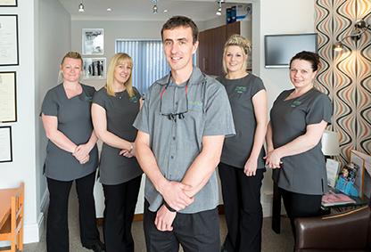 Dentist Hull   Manor Dental Health